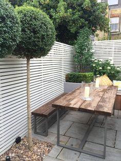 Slim & Subtle Rear Garden: modern Garden by Garden Club London Small Backyard, Garden Tools, Urban Garden Design, Patio Design, Diy Pergola, Back Garden Design, Garden Furniture, Garden Club, Garden Projects