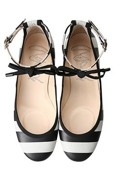 Black & White Flat Shoes