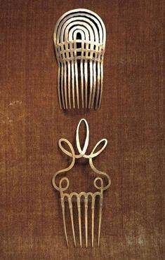 Alexander Calder, hair combs, brass wire, ca. Alexander Calder, Hair Jewelry, Jewelry Art, Jewelry Accessories, Jewelry Design, Bridal Accessories, Jewellery, Wedding Jewelry, Modern Jewelry