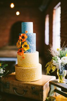 Wedding Cake | More from this stunning shoot on #SMP ~ http://www.stylemepretty.com/2013/06/21/van-gogh-inspired-shoot-from-orange-blossom-special-events-birds-of-a-feather/  Photography: RebBirds of a Feather