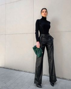 Anisa wears the Rope Detail Vegan Leather Wide Leg Trousers and Roll Neck Ribbed Bodysuit 🖤 Winter Fashion Outfits, Look Fashion, Fall Outfits, Autumn Fashion, Womens Fashion, Winter Work Outfits, Stylish Work Outfits, Classy Outfits, Chic Outfits