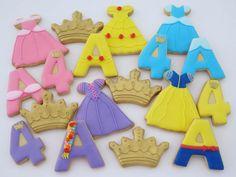 Disney princess cookies Disney Princess Birthday Party, Cinderella Birthday, Disney Princess Party, Fourth Birthday, 4th Birthday Parties, Birthday Ideas, Disney Princess Cookies, Disney Cookies, Snow White Birthday