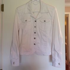 White stretch denim jacket. Very stretchy denim jacket. Size small/4. Tag has been removed. Good condition. Jackets & Coats Jean Jackets