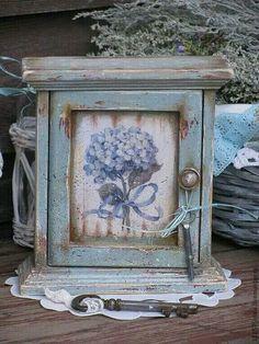 Caja decorada Decoupage Wood, Decoupage Tutorial, Decoupage Furniture, Decoupage Vintage, Painted Furniture, One Stroke Painting, Tole Painting, Painting On Wood, Pretty Box