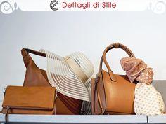 Piccola #borsa a tracolla in pelle di color cognac con chiusura a zip #AminaRubinacci - Borsa in ecopelle color cognac #Marella -  #Cappello a tesa larga color panna Marella -  #Bauletto color cognac e #foulard in fantasia Marella  #moda #fashion #italianstyle #shopping #bags #shoulderbag #handbag #hat #glamour #eldaelegance #eldastyle