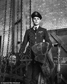 Cecil Beaton's photo of Lt. David Donaldson, 1941