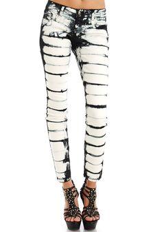Serena Skinny Tie Dye Jean Tie Dye Jeans, Tie Dye Shorts, Fashion Pants, Diy Fashion, Womens Fashion, Ty Dye, Short Jean Skirt, Tie Dye Outfits, Skinny Ties
