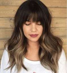 Think brown is boring? Think again. Discover our inspirational gallery with 21 l… Think brown is boring? Think again. Discover our inspirational gallery with 21 lust-worthy looks that prove that brown balayage is beautiful. Bangs And Balayage, Balayage Hair Blonde, Brunette Hair, Balayage With Fringe, Ombre Hair With Fringe, Short Balayage, Ombre Hair Long Bob, Long Hair, Fringes