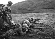 Czechoslovakian soldiers at the training in Scotland. Paratrooper, Historical Images, Armed Forces, World War Two, Troops, Wwii, Vintage Photos, Military, History