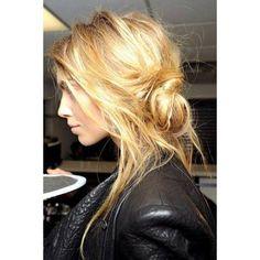 Chignon coiffe decoiffe cheveux longs