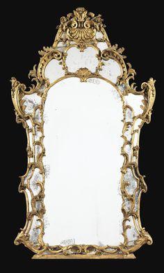 Miroir à parecloses en bois doré d'époque George II, vers 1750   lot   Sotheby's