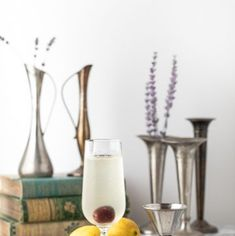 The French 76 cocktail is a delicious riff on a French using vodka in place of the gin. An easy and fun sparkling cocktail! French 75 Cocktail, Cocktail Book, Cocktail Glass, How To Make Vodka, Wine Cocktails, Sparkling Wine, Simple Syrup, Prosecco