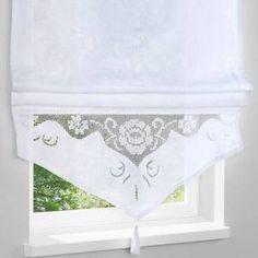 Habillez vos fenêtres avec ce store bateau crochet à la décoration de charme d'antan. Rideau store romantique vendu sur le site en ligne Lilie Rose Déco.
