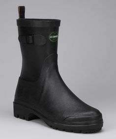 My new rain boots, no more cold wet feet on the bus ride home!