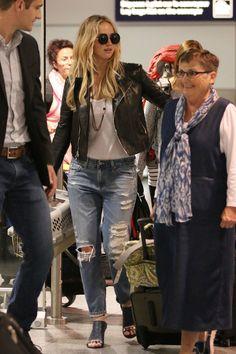 Jennifer Lawrence Casual Outfits : Beauty in Simplicity Fall Capsule Wardrobe, New Wardrobe, Celebrity Casual Outfits, Celebrity Style, Le Style Jennifer Lawrence, Mtv, Kentucky, Jennifer Laurence, Hollywood Street