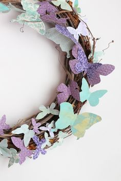Where Your Treasure Is: Paper Butterflies I think I know what's replacing those snowflakes in my dorm room now! :D