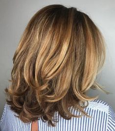 50 Modern Haircuts for Women over 50 with Extra Zing – Frisuren Modern Shag Haircut, Modern Haircuts, Modern Hairstyles, Popular Hairstyles, Medium Lenth Hair, Medium Hair Cuts, Medium Cut, Medium Layered Haircuts, Long Layered Hair
