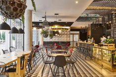 Ibis, a trailblazer in economy hotels since is shaking up economy hotel standards by offering travelers and local residents a totally new customer experience that focuses on hospitality, opening out to the local community and increased social interaction.