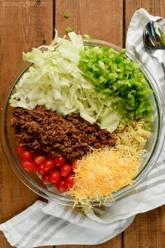 Curry Powder Recipes - Indian Curries and Garam Masala - Steps to Making Different Types of Curries This Taco Pasta Salad Is A Family Favorite It's Perfect For Bbqs, Potlucks And Big Family Gatherings Mexican Food Recipes, Beef Recipes, Cooking Recipes, Ethnic Recipes, Jar Recipes, Potluck Recipes, Cooking Ideas, Dinner Recipes, Salad Recipes Video