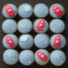 Rocket ship cupcakes by cake artist Hello Naomi.