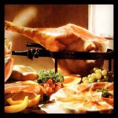 Proeverij van Italiaanse vleeswaren op uw Italiaanse Feest zijn te boeken via Italian Entertainment And More. Dus ook voor uw bedrijfsfeest ...