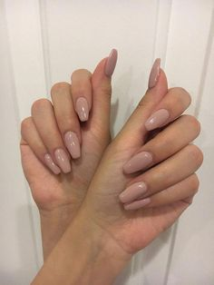 45 Fall Acrylic Nails Design To Try This Year #acrylicnaildesign #naildesigns #beauty ⋆ sandraanggraini.com