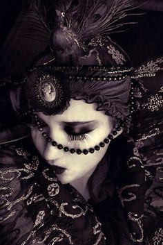 More Victorian Gothic Dark Beauty, Gothic Beauty, Gothic Makeup, Gothic Glam, Gothic Girls, Beauty Magic, Dark Fashion, Gothic Fashion, Steam Punk