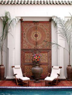 20 Moroccan Decor Ideas for Exotic and Glamorous Outdoor Rooms - The fusion of . - 20 Moroccan Decor Ideas for Exotic and Glamorous Outdoor Rooms – The fusion of Mediterranean dec - Moroccan Design, Moroccan Decor, Moroccan Style, Moroccan Bedroom, Moroccan Lanterns, Design Marocain, Riad Marrakech, Interior And Exterior, Interior Design