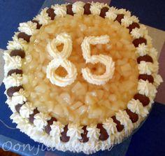 Papan 85-vuotis kakku.