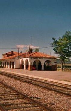 10 Mejores Imágenes De Aragón En El Corazón Aragón Sé Bueno Estacion De Tren