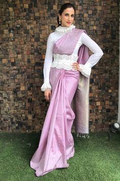 Saree Jacket Designs, Sari Blouse Designs, Fancy Blouse Designs, Sleeves Designs For Dresses, Bridal Blouse Designs, Traditional Blouse Designs, Blouse Patterns, Dress Designs, Traditional Design