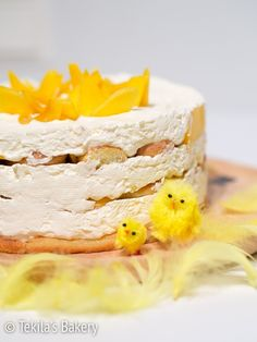 Mango tiramisu cake. Recipe on blog #mangotiramisu #tiramisu #recipe www.tekila.fi