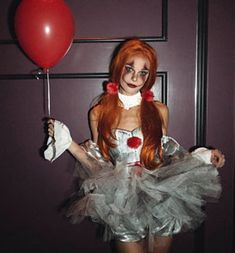 Womens Pennywise Clown costume Female IT Clown Cosplay Female Pennywise Costume, Pennywise Halloween Costume, Badass Halloween Costumes, Clown Halloween Costumes, Looks Halloween, Trendy Halloween, Halloween Outfits, Halloween City, Horror Makeup