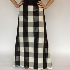 """Gingham taffeta skirt Flared black and white check, fully lined long skirt. 40"""" front center to hem and 43"""" back center to hem.  Looked great with any black blouse, sweater or bustier. Price reduced and firm JS Dresses Prom"""