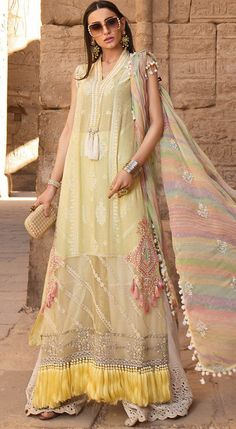 Condition: Unstitched, Ready to Wear Material: Luxury Lawn Occasion: Party Wear Collection: Maria B Lawn Collection 2020 Delivery Time: Working Days Latest Pakistani Dresses, Pakistani Designer Suits, Pakistani Bridal Dresses, Pakistani Dress Design, Pakistani Outfits, Pakistani Street Style, Pakistan Fashion, Yellow Fashion, Designer Dresses