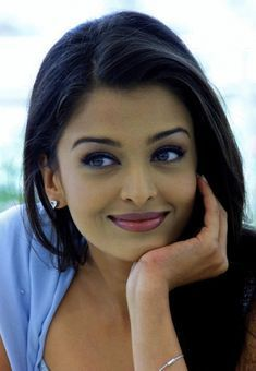 Find images and videos about aishwarya rai on We Heart It - the app to get lost in what you love. Most Beautiful, Beautiful Women, Face Massage, Friday Workout, Miss World, Beauty Recipe, Brenda, Bollywood Actress, Beauty Hacks