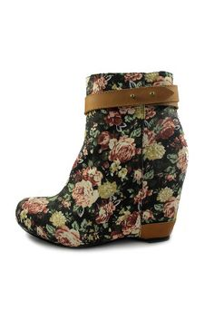 floral bootie, don't really dig the booties but these are cute.