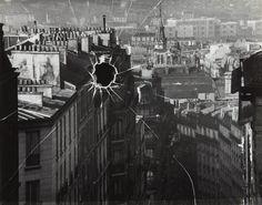 André Kertész Broken Window, Paris, 1929