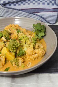 Blumenkohl-Romanesco-Curry mit Kokosmilch