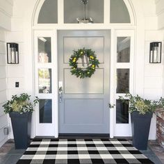 MUBIN Cotton Buffalo Plaid Rug Black/White Check Rugs x 43 Inches Reversible Washable Hand-Woven Outdoor Rugs for Layered Door Mats Porch/Kitchen/Farmhouse Style At Home, Farmhouse Front, Modern Farmhouse, Farmhouse Decor, Front Door Design, Home Fashion, Interior Exterior, Porch Decorating, Decorating Ideas