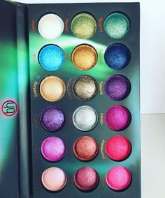 BH Cosmetics always releases the most fun and interesting eyeshadow shades! This is such makeup goals and gives us inspiration to create new amazing looks!