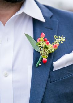 #berry #boutonniere @weddingchicks