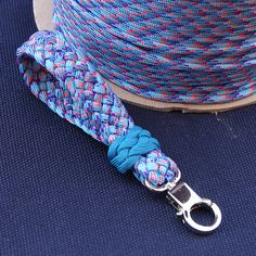 Key fob / 6 strand french sinnet + 5 Lead 4 Bights turks head