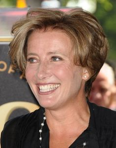 short hairstyle for women over 40