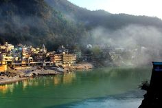 #Ekattva Yogshala shares why #Rishikesh is considered the world #yoga capital through #Bookyogaretreats. Check out the amazing post written by our founder!