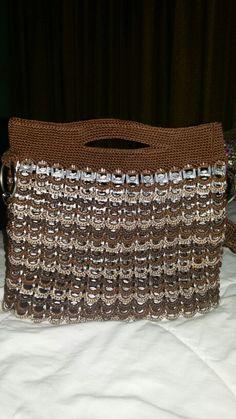 Bolsa de chapitas y crochet