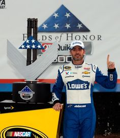 Jimmie Johnson Photos - NASCAR Sprint Cup Series Folds of Honor QuikTrip 500 - Zimbio
