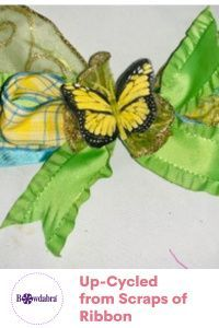 Mother's Day Bow using only scraps of ribbon Diy Mother's Day Crafts, Mothers Day Crafts, Diy Craft Projects, Bow Making Tutorials, Craft Tutorials, How To Make Hair, How To Make Bows, Repurposing, Diy Tutorial