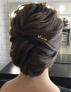Take a look at these gorgeous wedding hairstyle ideas.easy messy updo to elegant chignon + braid hairstyle + Classy and Elegant Wedding Hairstyles Wedding Hairstyles For Long Hair, Loose Hairstyles, Wedding Hair And Makeup, Bride Hairstyles, Headband Hairstyles, Hair Updo, Hairstyle Ideas, Hair Wedding, Tousled Hair