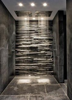 Fashion – Douche italienne : 33 photos de douches ouvertes – Looks Magazine Modern Bathroom Design, Modern House Design, Modern Bathrooms, Small Bathrooms, Black Bathrooms, Grey Slate Bathroom, Gold Bathroom, Small Dark Bathroom, Black Marble Bathroom